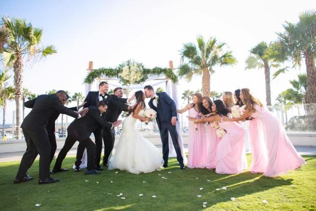 Lauren Elaine Bridal - Bride Sunshine and Wedding Party