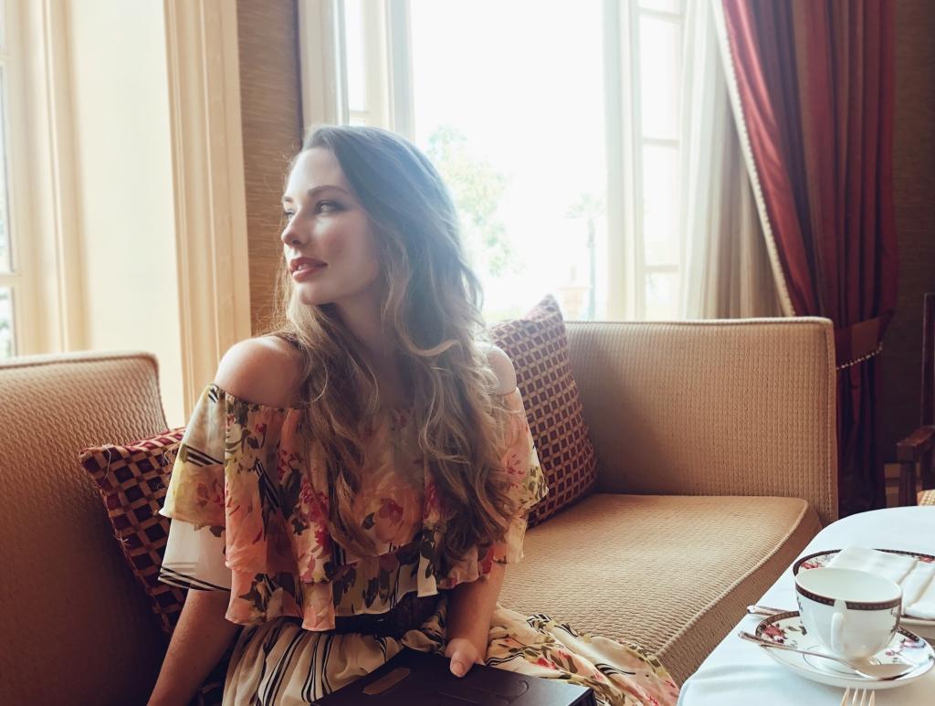 Los Angeles wedding dress designer Lauren Elaine has the langham huntington pasadena afternoon tea with wedgewood