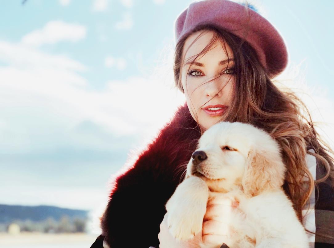 Bridal Fashion Designer Lauren Elaine shares a first look at her new Golden Retriever puppy, Mojave.